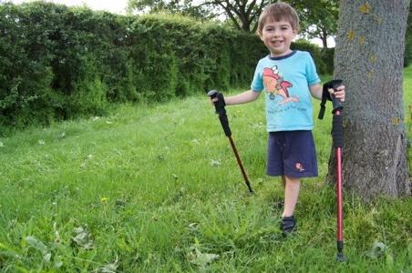Compare kids trekking poles